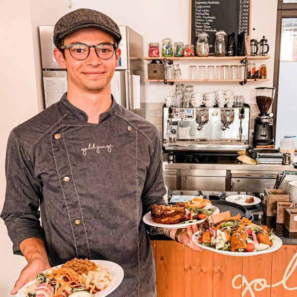 cafe-goldjunge-nippes-service